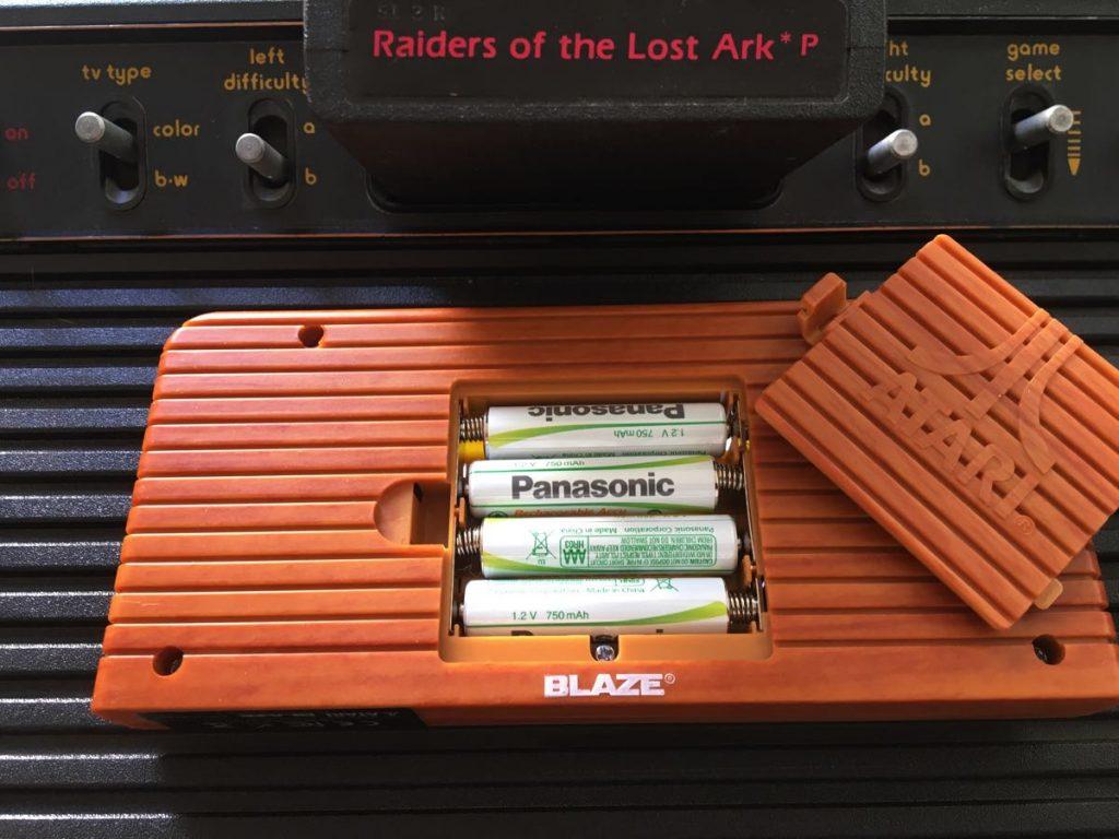 Pilas en la Atari Retro Handheld Pacman Edition