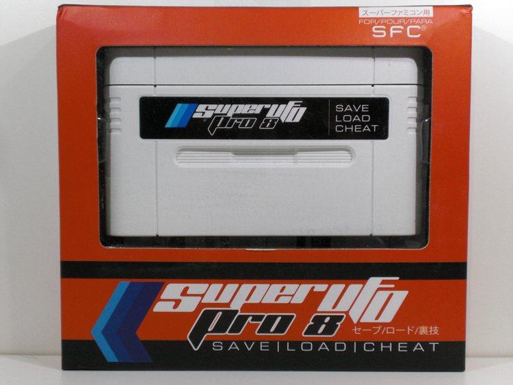 Super UfoPro 8. Nuevo flashcard para jugar Roms en la Super Nintendo