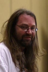 Jeff Minter hace diez años. Como estará ahora...