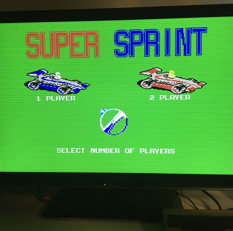 Probando Super Sprint para Commodore 64 en el C64 Mini