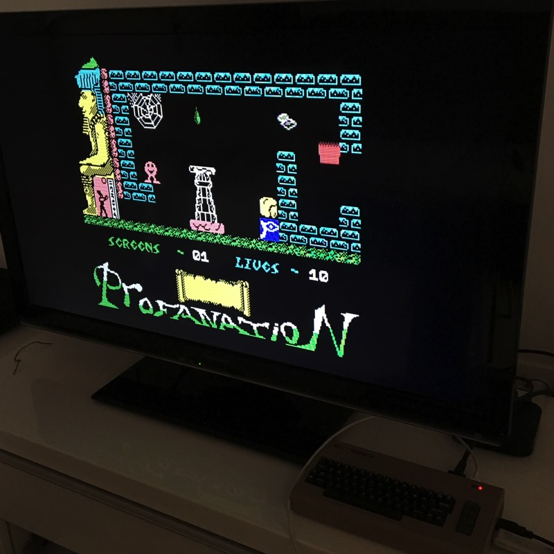 Probando Profanation de Dinamic en el C64 Mini